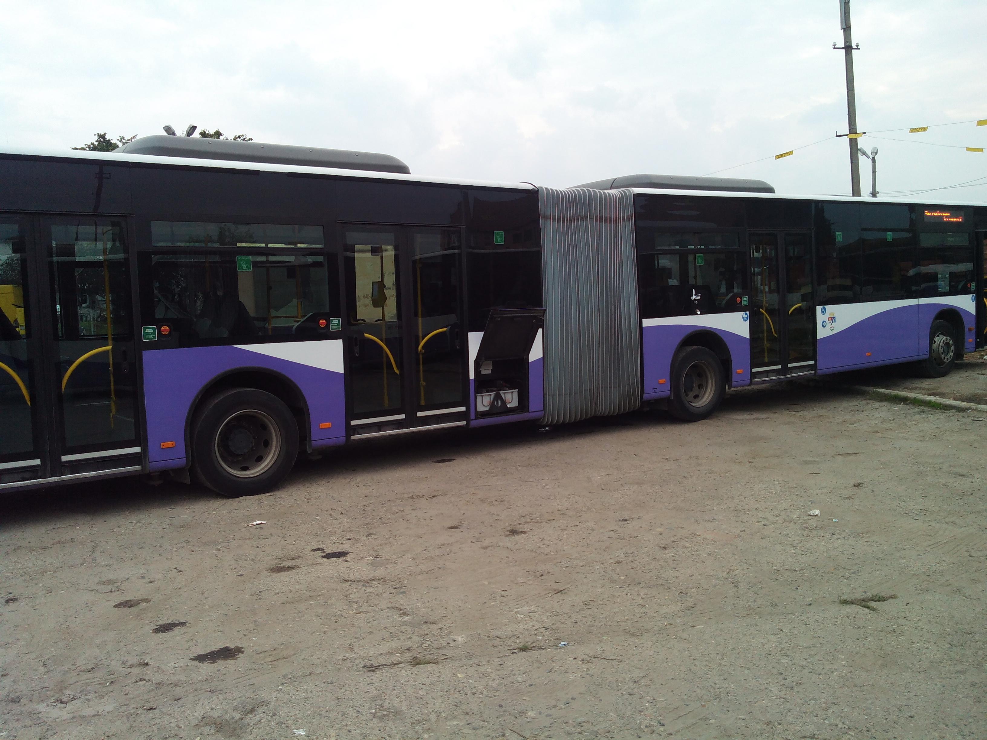 EURO5 EEV AdBlue-s busz tesztek füst csökkenés 69%-ig, 10-20%-os üzemanyag megtakarítás